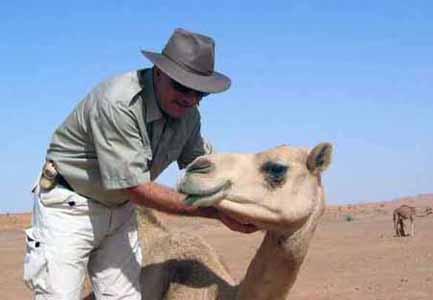 Dubai con una cammella da corsa