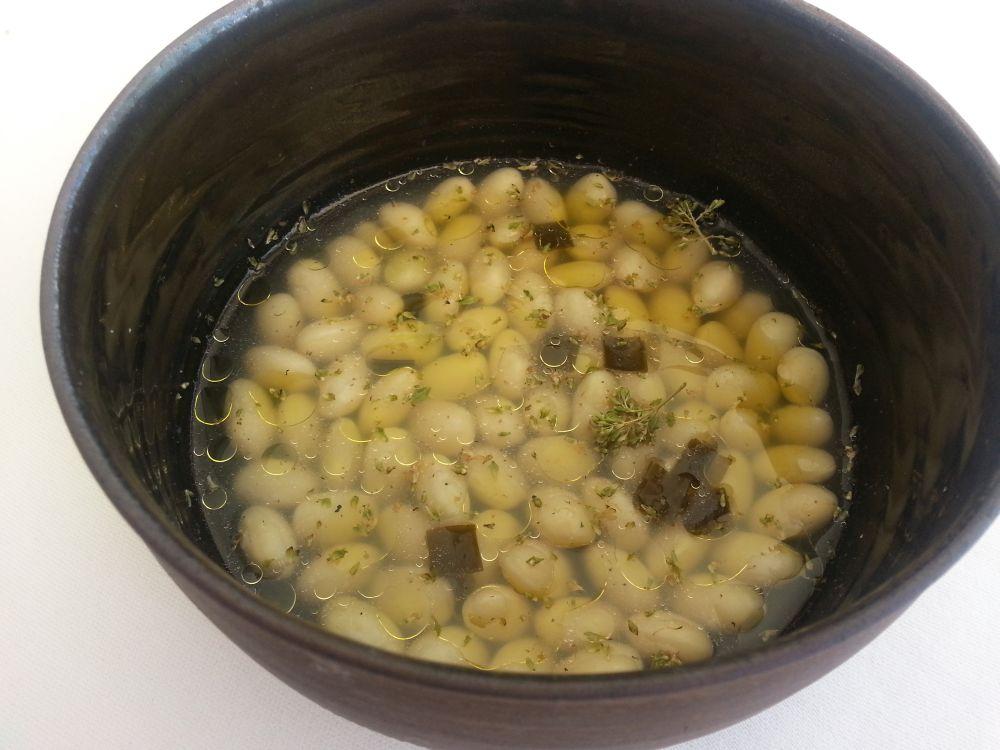 fagioli-di-pigna-in-brodo-di-alghe-giapponesi-e-timo