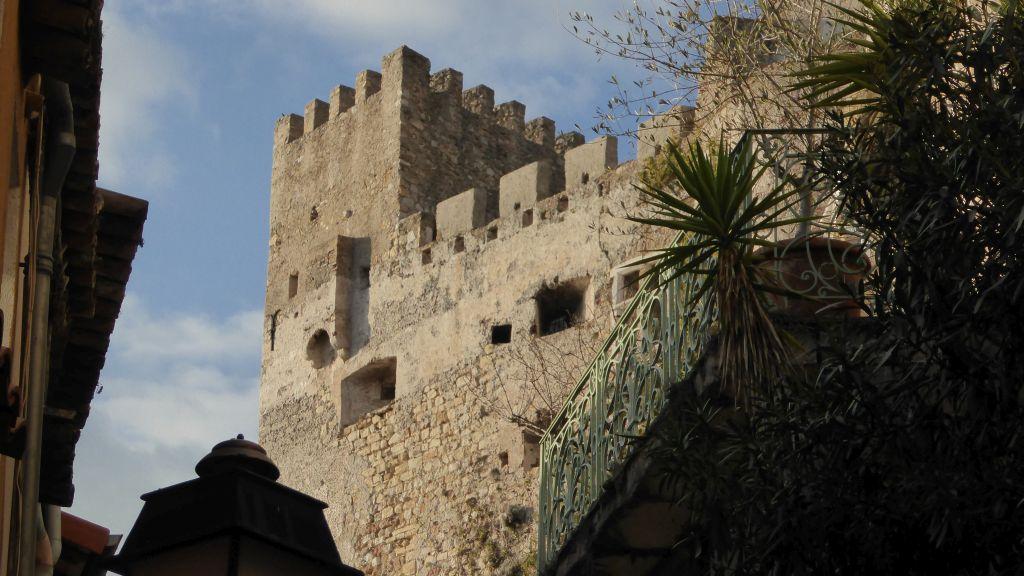 il castello di Roquebrune è chiuso il 1° gennaio